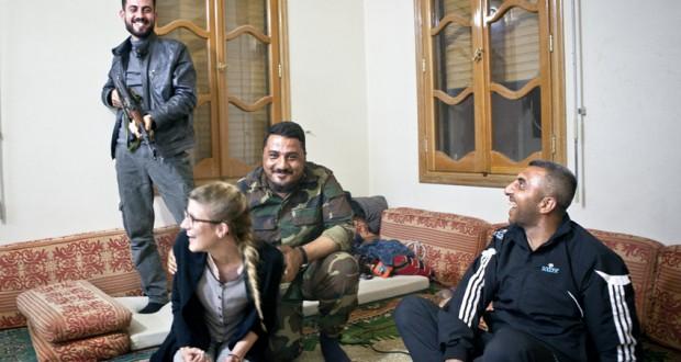 Annabell 'onder schot' gehouden door Syrische rebellen. Foto Jeffry Ruigendijk